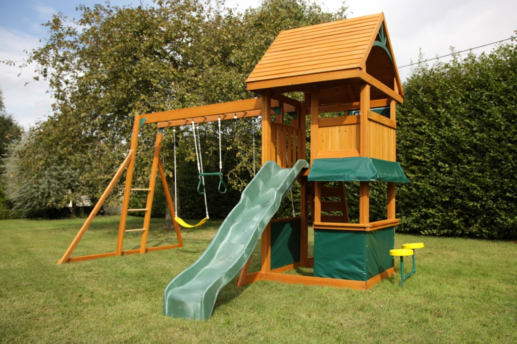 balancoire avec toboggan et cabane pas cher cirque et balancoire. Black Bedroom Furniture Sets. Home Design Ideas