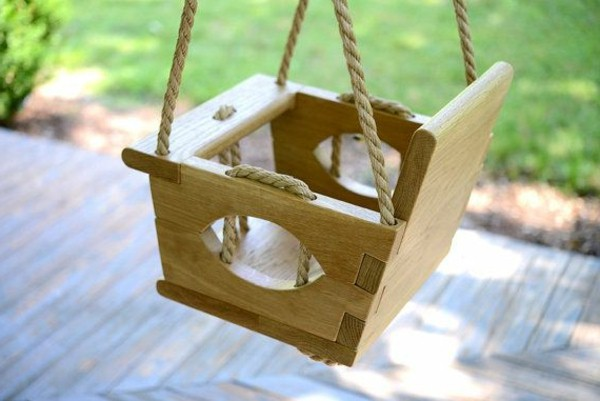 balancoire bebe en bois abri de jardin et balancoire id e. Black Bedroom Furniture Sets. Home Design Ideas