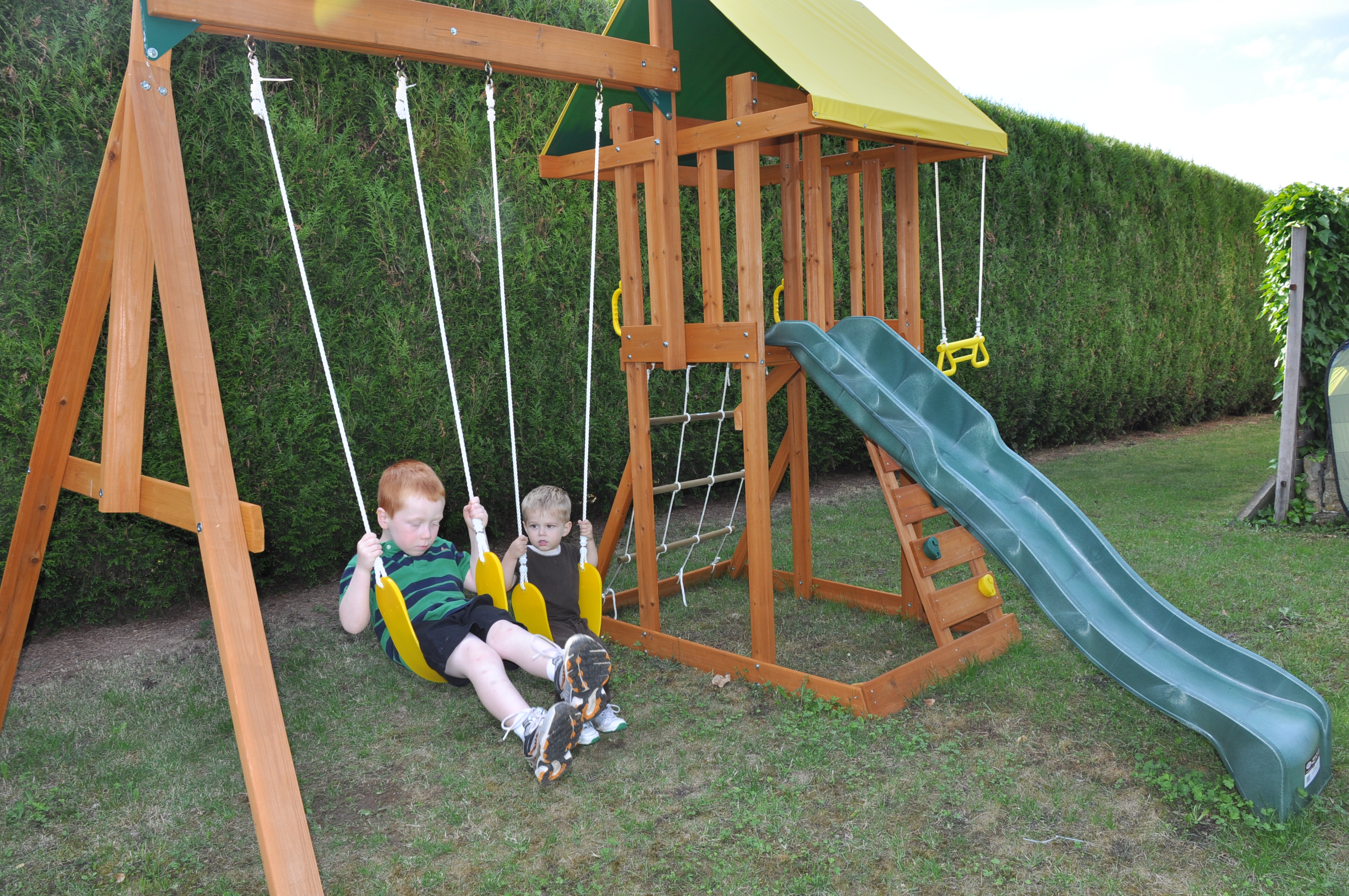 Portique bois balancoire toboggan abri de jardin et balancoire id e - Portique balancoire en fer ...