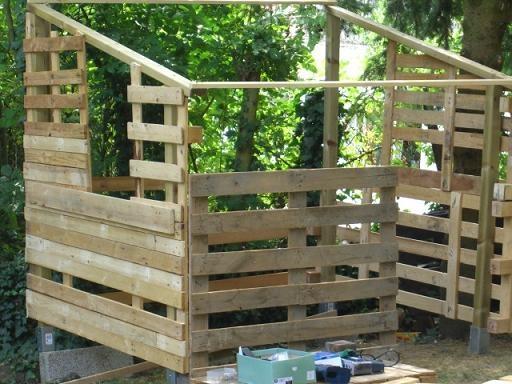 Abris de jardin en palette bois - Abri de jardin et balancoire idée