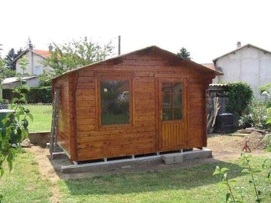 Comment poser un abri de jardin sans dalle beton