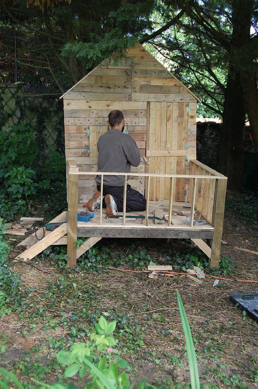Cabane de jardin avec palette abri de jardin et - Fabriquer un abris de jardin en bois ...