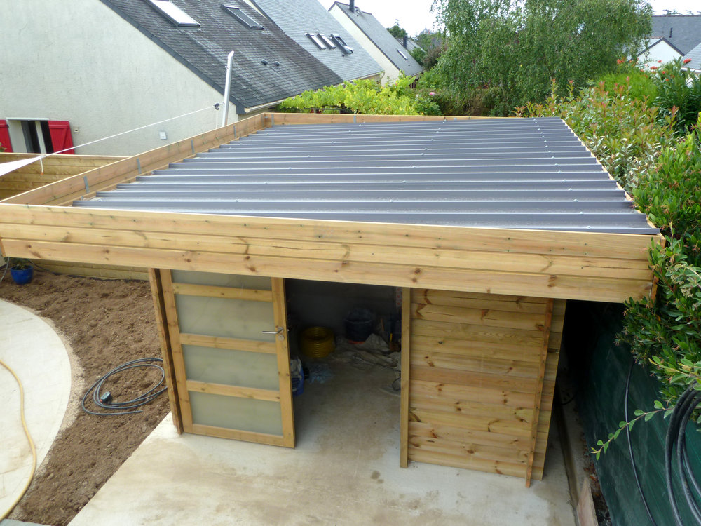 Abris de jardin moderne toit plat - Abri de jardin et balancoire idée