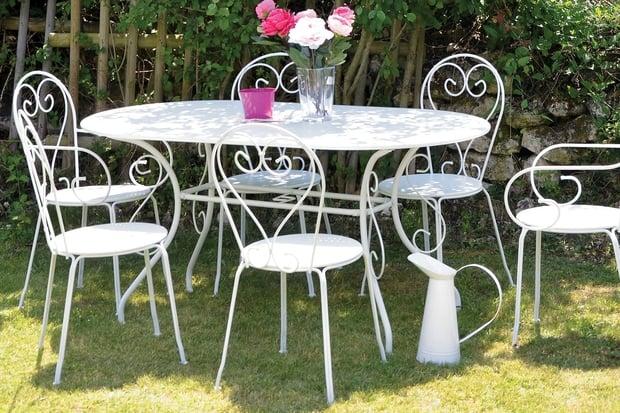 Salon de jardin romantique métal - Abri de jardin et balancoire idée
