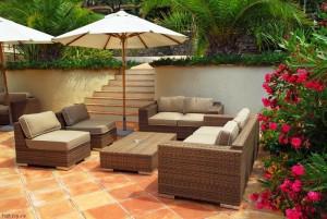 Salon de jardin en imitation rotin - Abri de jardin et balancoire idée