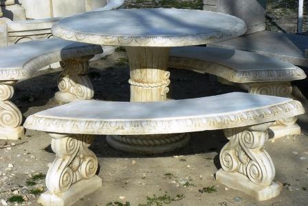 Mobilier de jardin en pierre reconstituée
