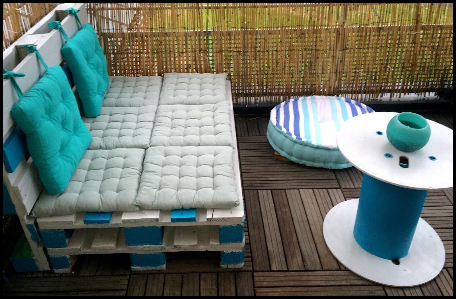 Salon de jardin pour balcon en palette - Abri de jardin et ...