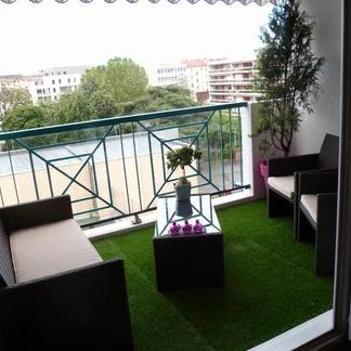 Salon de jardin sur balcon - Abri de jardin et balancoire idée