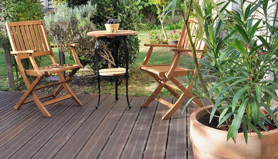 Quel bois choisir pour salon de jardin - Abri de jardin et ...