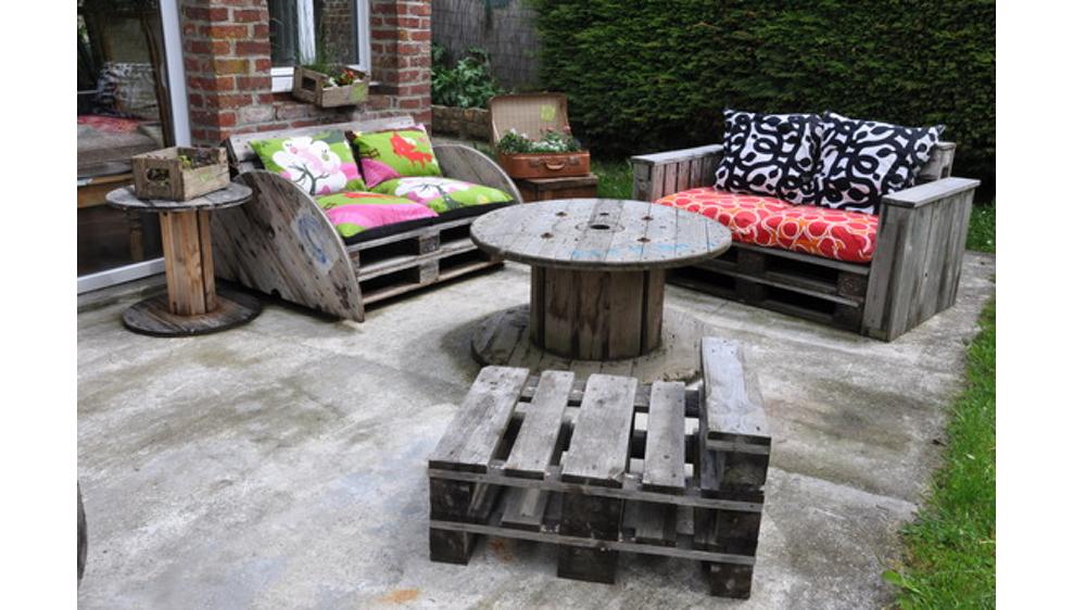 Idee pour faire un salon de jardin - Abri de jardin et balancoire idée