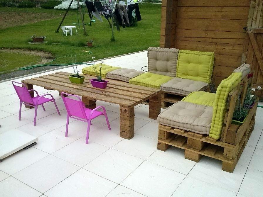 comment fabriquer salon de jardin avec des palettes abri de jardin et balancoire id e. Black Bedroom Furniture Sets. Home Design Ideas
