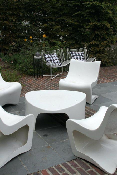 Nettoyer salon de jardin blanc
