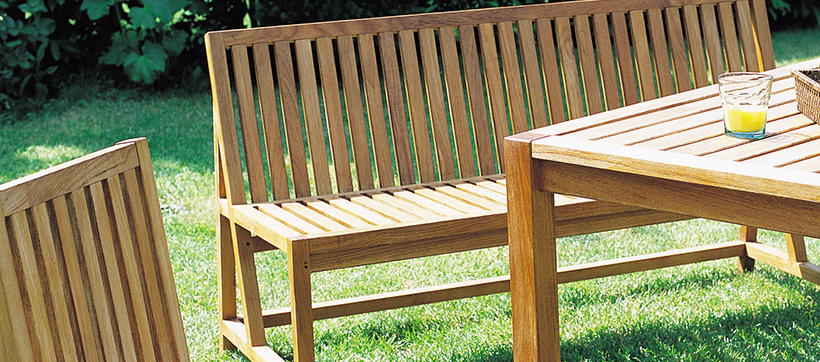 Decaper un salon de jardin en bois - Abri de jardin et balancoire idée