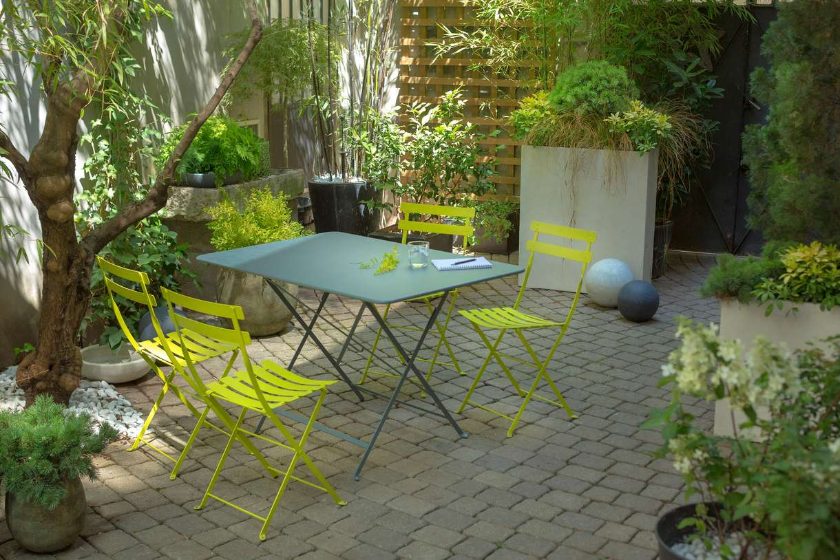Repeindre salon de jardin en fer forgé - Abri de jardin et ...
