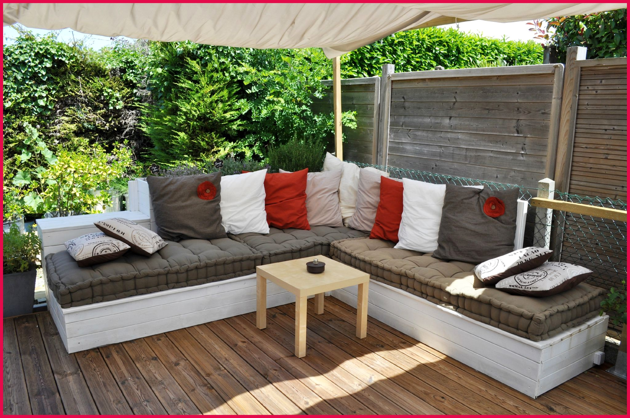 Salon de jardin en gros bambou - Abri de jardin et balancoire idée