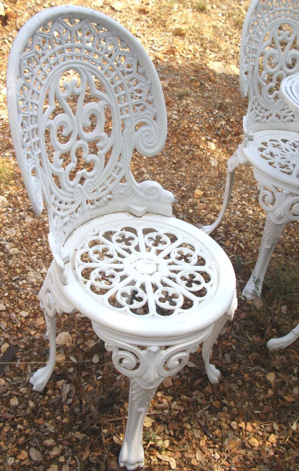 Salon de jardin en fonte ancien - Abri de jardin et ...