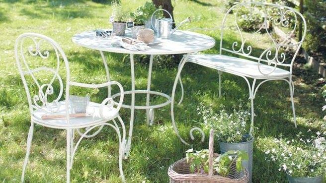 Salon de jardin romance blanc - Abri de jardin et balancoire ...