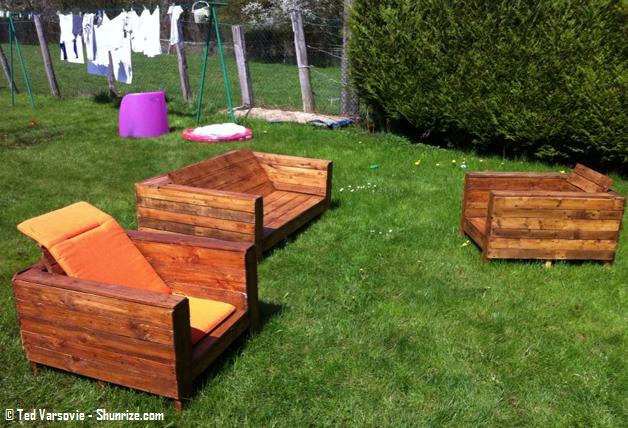 Creation salon de jardin avec des palettes - Abri de jardin ...