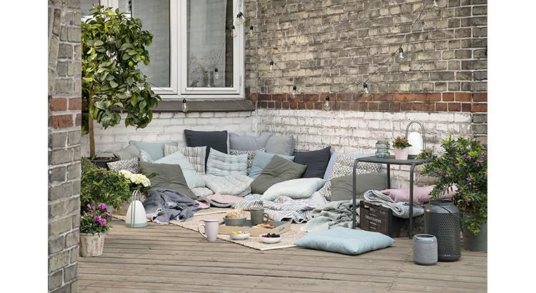 idee salon de jardin original abri de jardin et. Black Bedroom Furniture Sets. Home Design Ideas