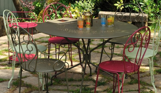 Salon de jardin romantique gris - Abri de jardin et ...